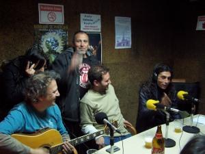 lOS pECHUGITAS EN LA RADIO